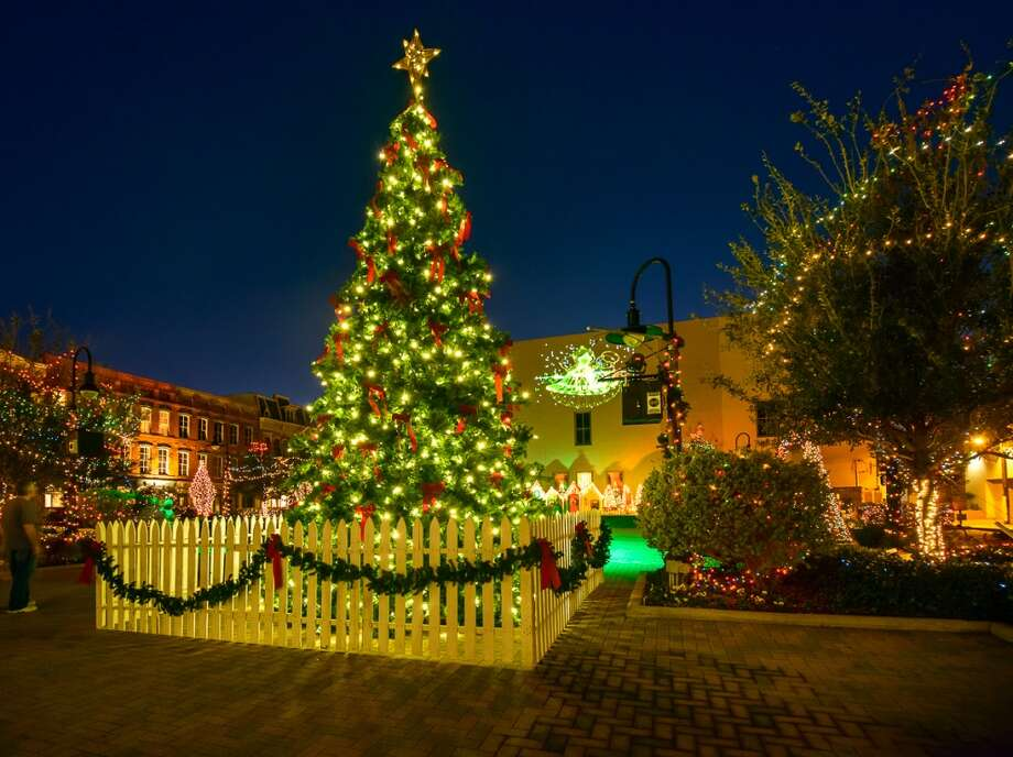 At Galveston's Saengerfest Park, lights are synchronized to music for a holiday-themed laser light show. Photo: Courtesy Photo, Galveston CVB