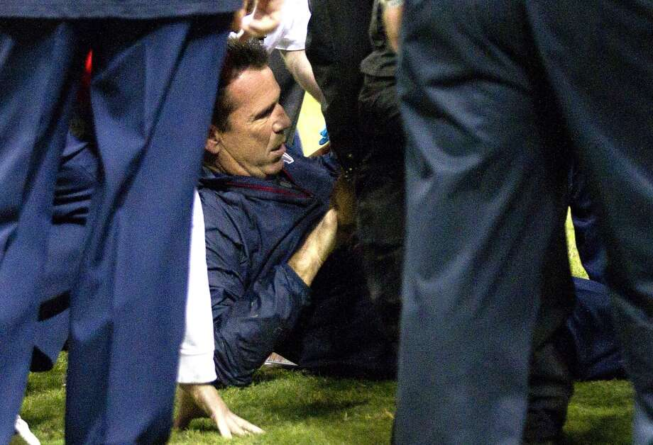 Gary Kubiak collapsed on the field and suffered a mini-stroke during halftime of the Texans' 27-24 loss to the Indianapolis Colts on Nov. 3, 2013. Photo: Brett Coomer, Houston Chronicle