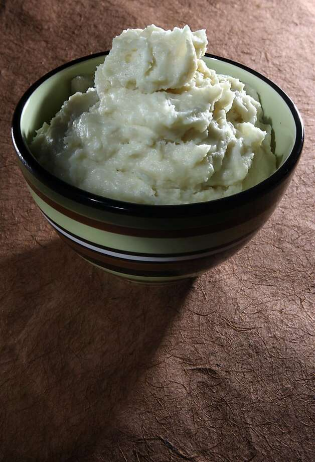 Best Way Mashed Potatoes styled by Lindsay Patterson. Photo: Liz Hafalia, The Chronicle