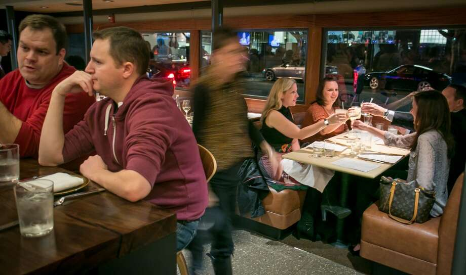Diners enjoy dinner at Fog City in San Francisco. Photo: John Storey, Special To The Chronicle