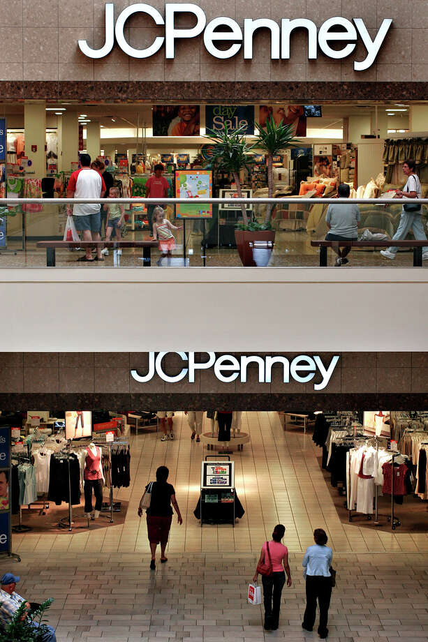 Although retailer J.C. Penney is slowly improving its quarterly revenue, it announced last month it will cut 2,000 jobs and close 33 stores early this year.  Photo: NICOLE FRUGE, San Antonio Express-News / SAN ANTONIO EXPRESS-NEWS