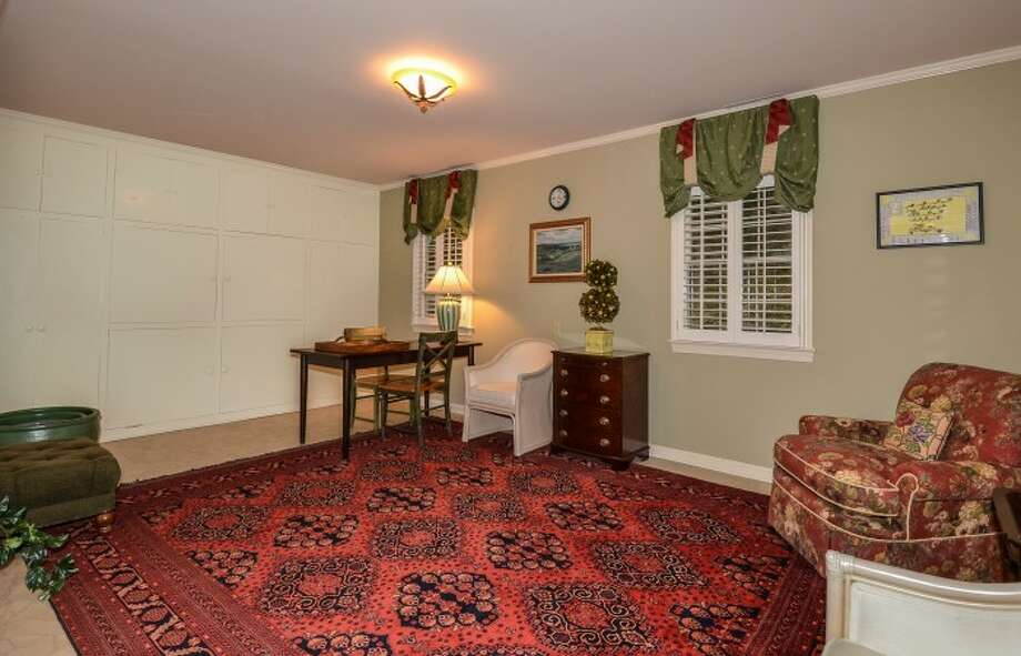More living area, with very 60s carpet. Photos: Atoka Properties/ Patricia Burns