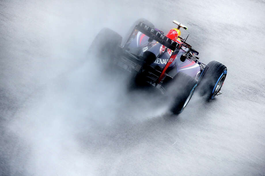 F1Mark Webber of Australia and Infiniti Red Bull Racing drives during qualifying for the Brazilian Formula One Grand Prix at Autodromo Jose Carlos Pace on November 23, 2013 in Sao Paulo, Brazil. Photo: Paul Gilham, Getty Images / 2013 Getty Images