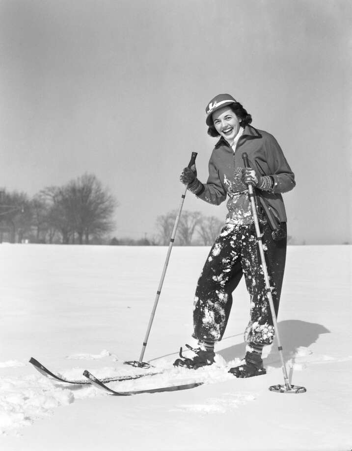 1940s:  A woman modeling ski wear. Photo: H. Armstrong Roberts, Retrofile/Getty Images