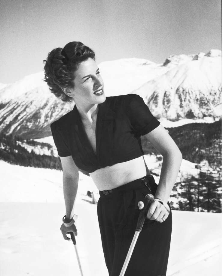 1947:  Brazilian Luisa Andrada-Miller wearing bare-midriff skiing outfit on slopes at fashionable winter resort. Photo: Alfred Eisenstaedt, Time & Life Pictures/Getty Image