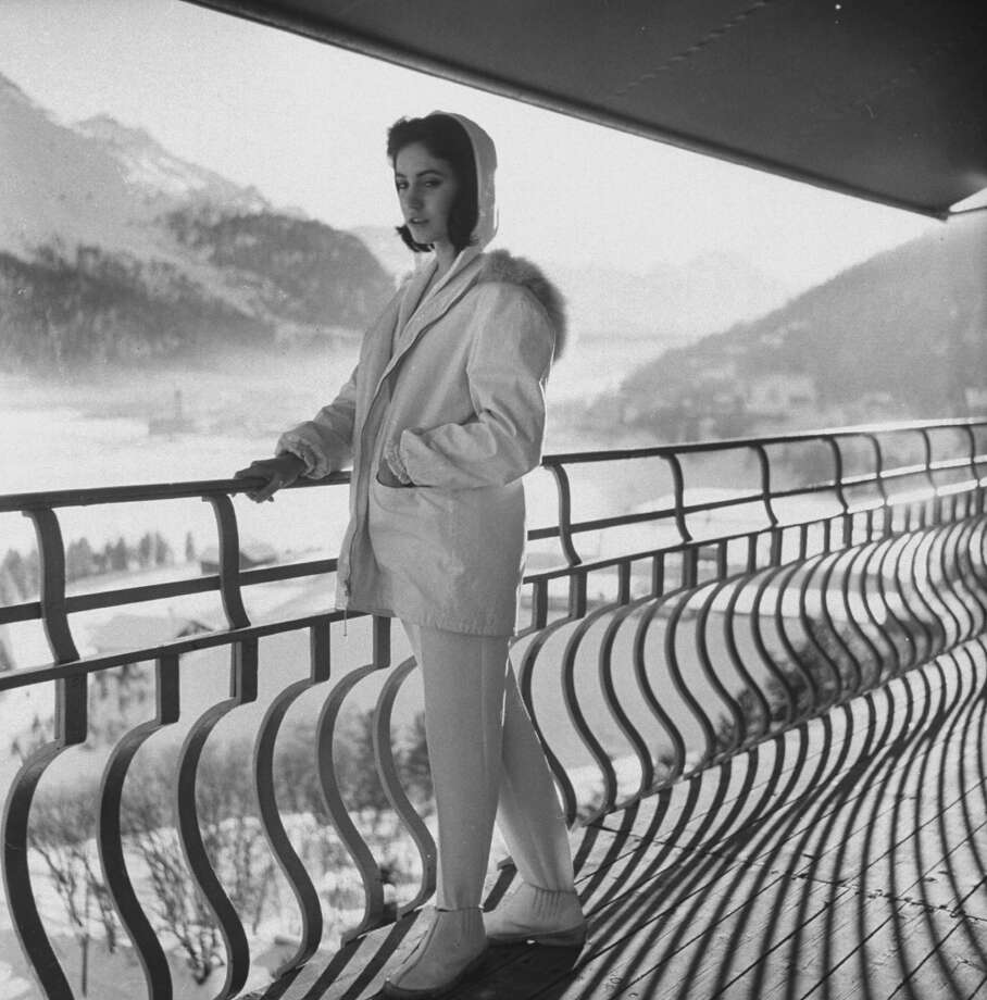 1958: A model wearing a ski suit. Photo: Loomis Dean, Time & Life Pictures/Getty Image