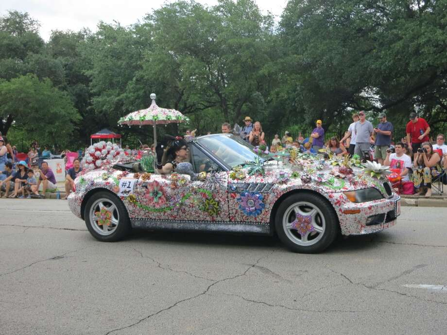 POPART by Cherie Smith & Sharon Neyland won one of four first place prizes and $1500 at the 2013 Art Car Parade. Photo: --