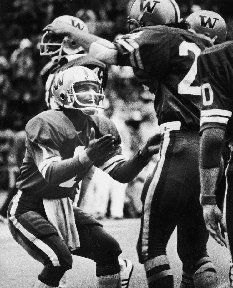 1977: Washington 35, Washington State 15 (Husky Stadium)