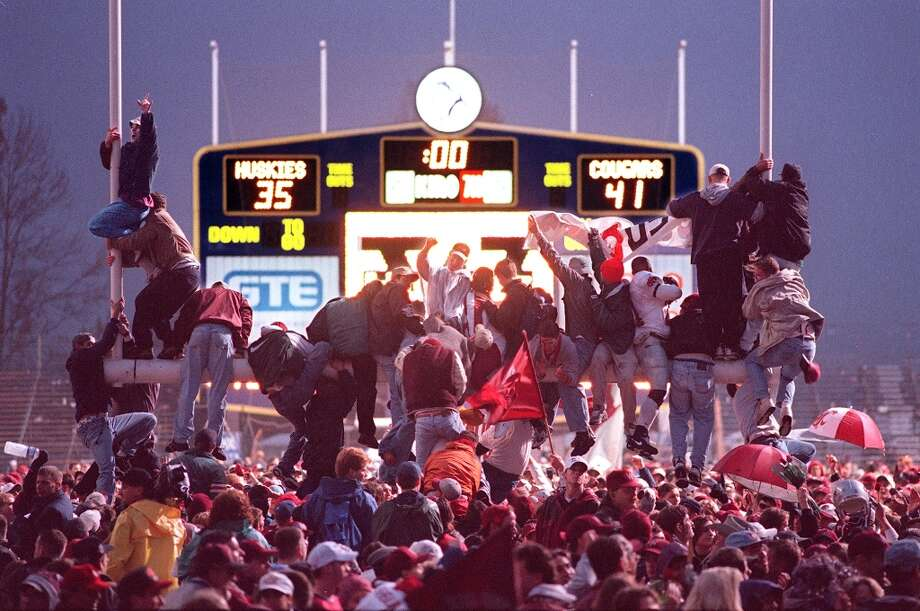 1997: Washington State 41, Washington 35Ryan Leaf led the No. 11 Cougars to a 41-35 victory in enemy territory and to the Rose Bowl for the first time in 67 years. Meanwhile, UW quarterback Brock Huard threw five interceptions in the game -- three of them to freshman Wazzu defensive back Lamont Thompson, who also added 12 tackles. Ranked eighth nationally after the Apple Cup win, the Cougars ended up losing 21-16 to No. 1 Michigan in the Rose Bowl. The rivalry game was Washington's third loss in a row that season, as the Huskies dropped from No. 7 at the beginning of November 1997 to No. 21 by they time they faced No. 25 Michigan State in the Aloha Bowl, which the Huskies won 51-23. Photo: Scott Eklund, Seattle P-I Archives