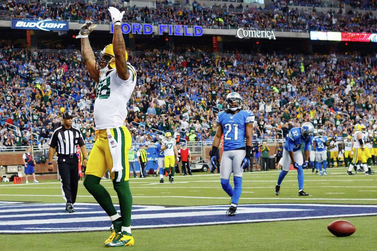 The slate of NFL games kicks off with Green Bay at Detroit at 9:30 AM PST on FOX. Unfortunately, quarterback Aaron Rodgers will most likely miss the game with a broken collarbone so that takes the shine off the matchup.