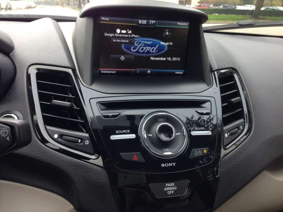The display's 6.5-inch touchscreen home display is split into four quadrants. Photo: Dwight Silverman, Houston Chronicle