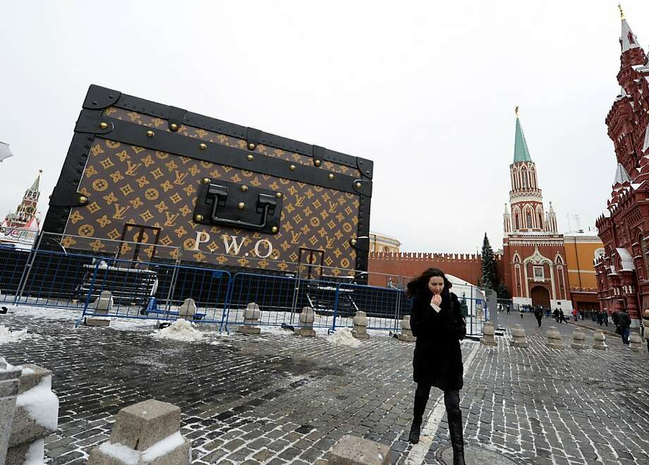 Nyet to whimsical luggage:A massive Louis Vuitton trunk, part of an exhibition honoring the iconic trademark, is coming down only a week after it was installed in Moscow's 
