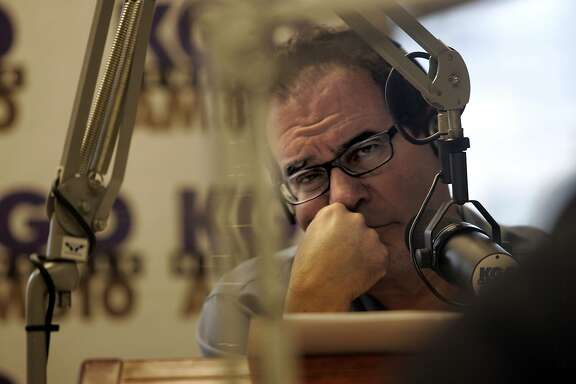 Profile of KGO radio personality Ronn Owens listening to SF Chronicle's Phil Bronstein.