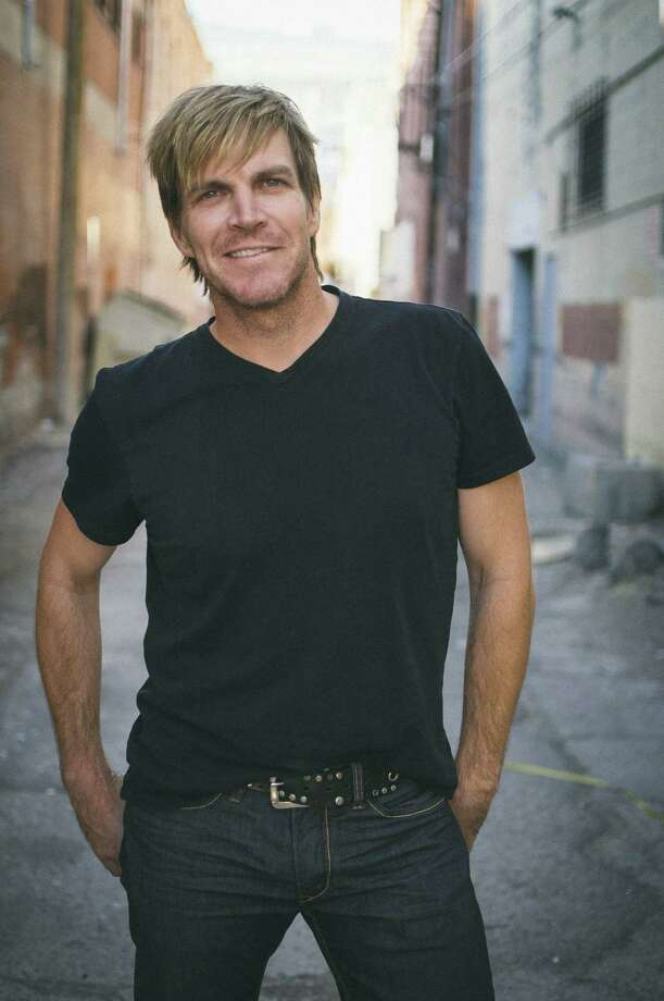 Jack Ingram will play Floore's on Friday.