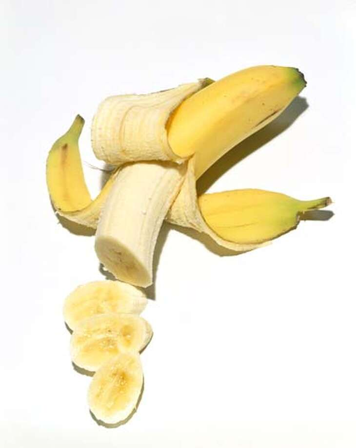 Go bananas for bananas. The potassium in this fruit can help with debloating. Photo: Brian Hagiwara, Getty Images / (c) Brian Hagiwara