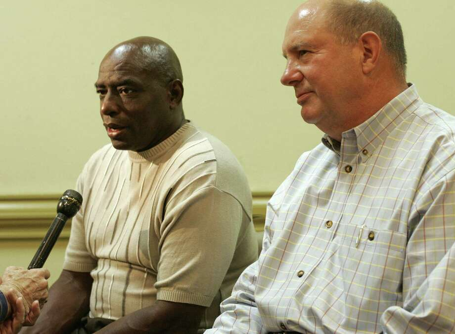 Warren McVea (left) and Linus Baer are interviewed in 2007. Photo: San Antonio Express-News / File Photo