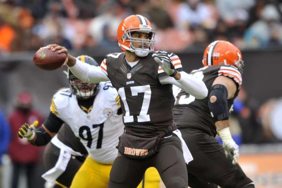 Jacksonville (2-9) plus-7 at Cleveland (4-7): Browns 23-19 Photo: David Richard, Associated Press