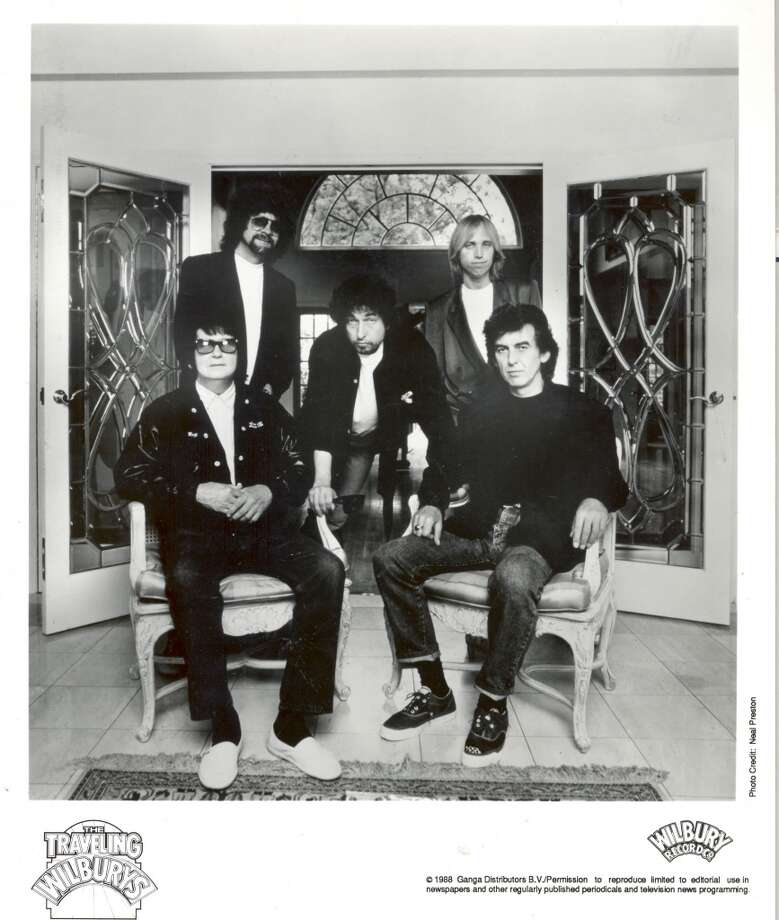 "PHOTO FILED:  ROY ORBISON A 1988 PHOTO OF THE MUSIC GROUP ""THE TRAVELING WILBURYS"". Photo: C Ganga Distributors B.V."