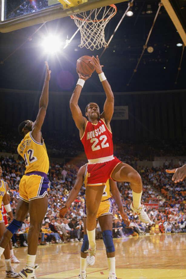 Rodney McCray #22 of the Houston Rockets makes a layup during a game in the1987-88 season against the Los Angeles Lakers at the Forum in Inglewood, California. Photo: Rick Stewart, Getty Images / 1987 Getty Images