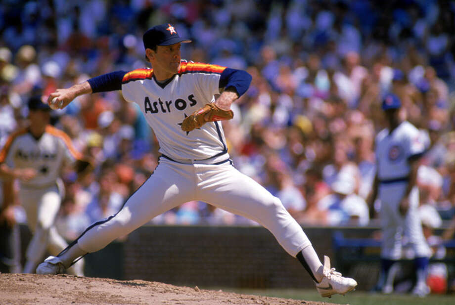 Nolan Ryan #34 of the Houston Astros pitches during the 1988 season against the Chicago Cubs at Wrigley Field in Chicago, Illinois.  (Photo by Jonathan Daniel/Getty Images) Photo: Jonathan Daniel, Getty Images / 1988 Getty Images