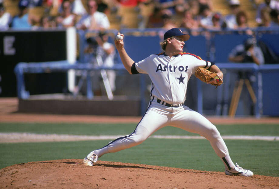 Pitcher Mike Scott of the Houston Astros delivers a pitch against the Los Angeles Dodgers during a September 1989 game at Dodger Stadium in Los Angeles, California.  (Photo by Bernstein Associates/Getty Images) Photo: Bernstein Associates, Getty Images / 1989 Andrew D. Bernstein