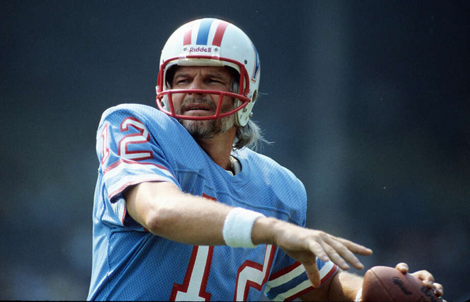 Quarterback Ken Stabler #12 of the Houston Oilers prior to a game against the Cleveland Browns on September 10, 1981 in Cleveland, Ohio.  (Photo by Ronald C. Modra/Sports Imagery/Getty Images) Photo: Ronald C. Modra/Sports Imagery, Getty Images / 1981 Ronald C. Modra/Sports Imagery