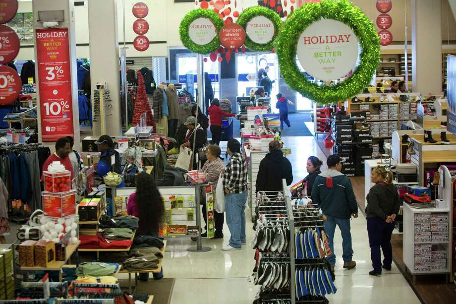 Customers make lines to pay at Sears on 4201 Main Street, Friday, Nov. 29, 2013, in Houston. Photo: Marie D. De Jesus, Houston Chronicle / © 2013 Houston Chronicle