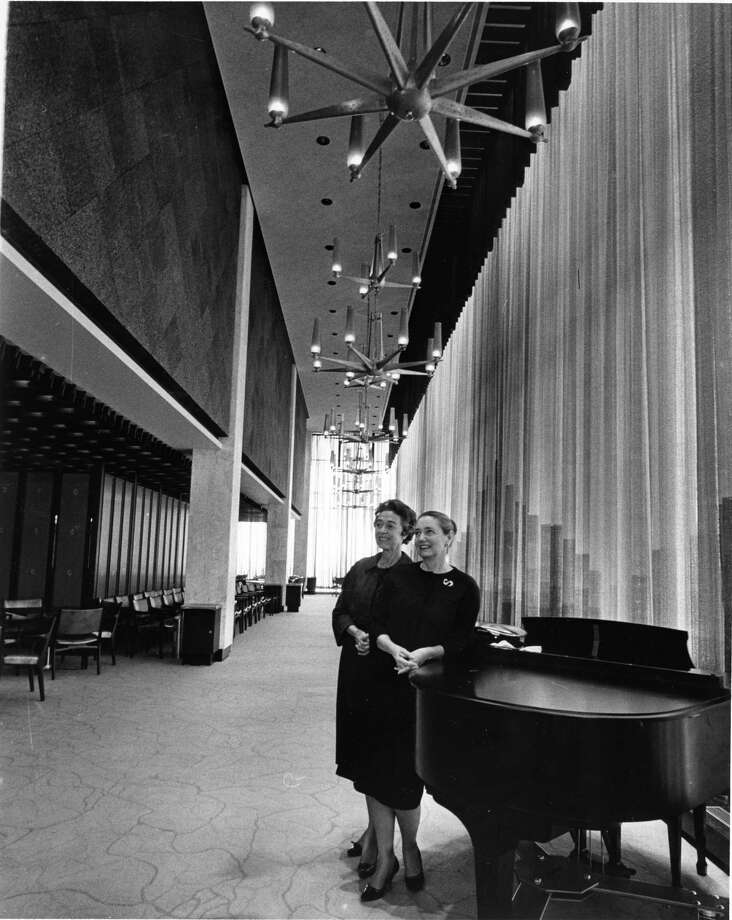 The Petroleum Club was, for a while, the fanciest place in an ambitious town. Photo: Arthur M. Uhlmann, HC Staff / Houston Chronicle