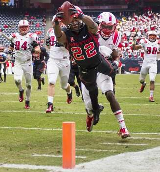 UH running back Ryan Jackson scores against SMU on a 37-yard touchdown run. Photo: Smiley N. Pool, Houston Chronicle