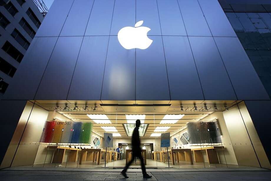 Sales of iPhones have skyrocketed in Japan after NTT Docomo, Japan's largest telephone company, started carrying them. Photo: Kiyoshi Ota, Bloomberg
