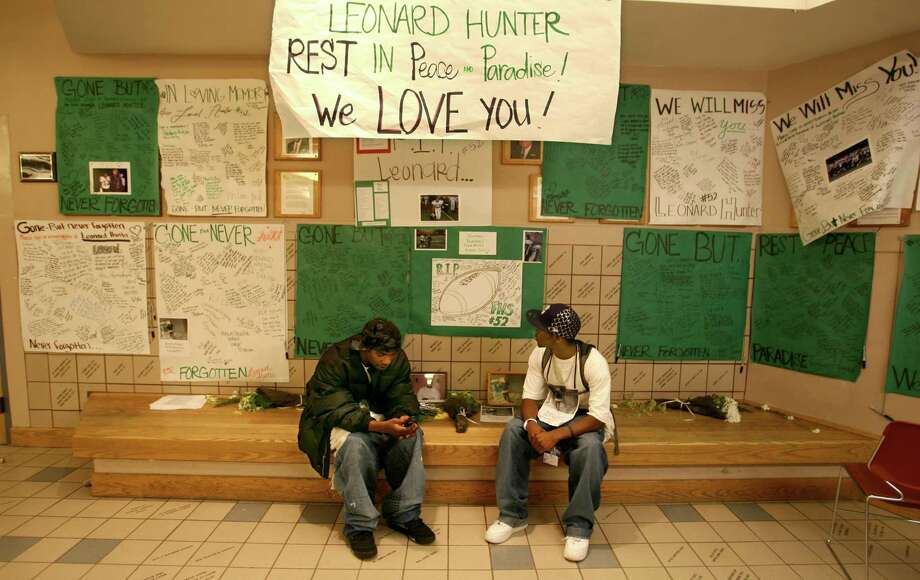 Franklin has seen its moments of sadness. In 2007, Franklin student Leonard Hunter was shot and killed in an attempted robbery, prompting this student shrine at the school in his honor.  Photo: Scott Eklund, - / Seattle Post-Intelligencer