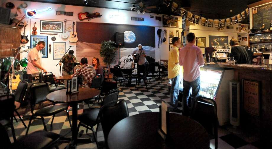 The Logon Cafe is the Cat5 Bar of the Week in Beaumont.  Tammy McKinley/The Enterprise