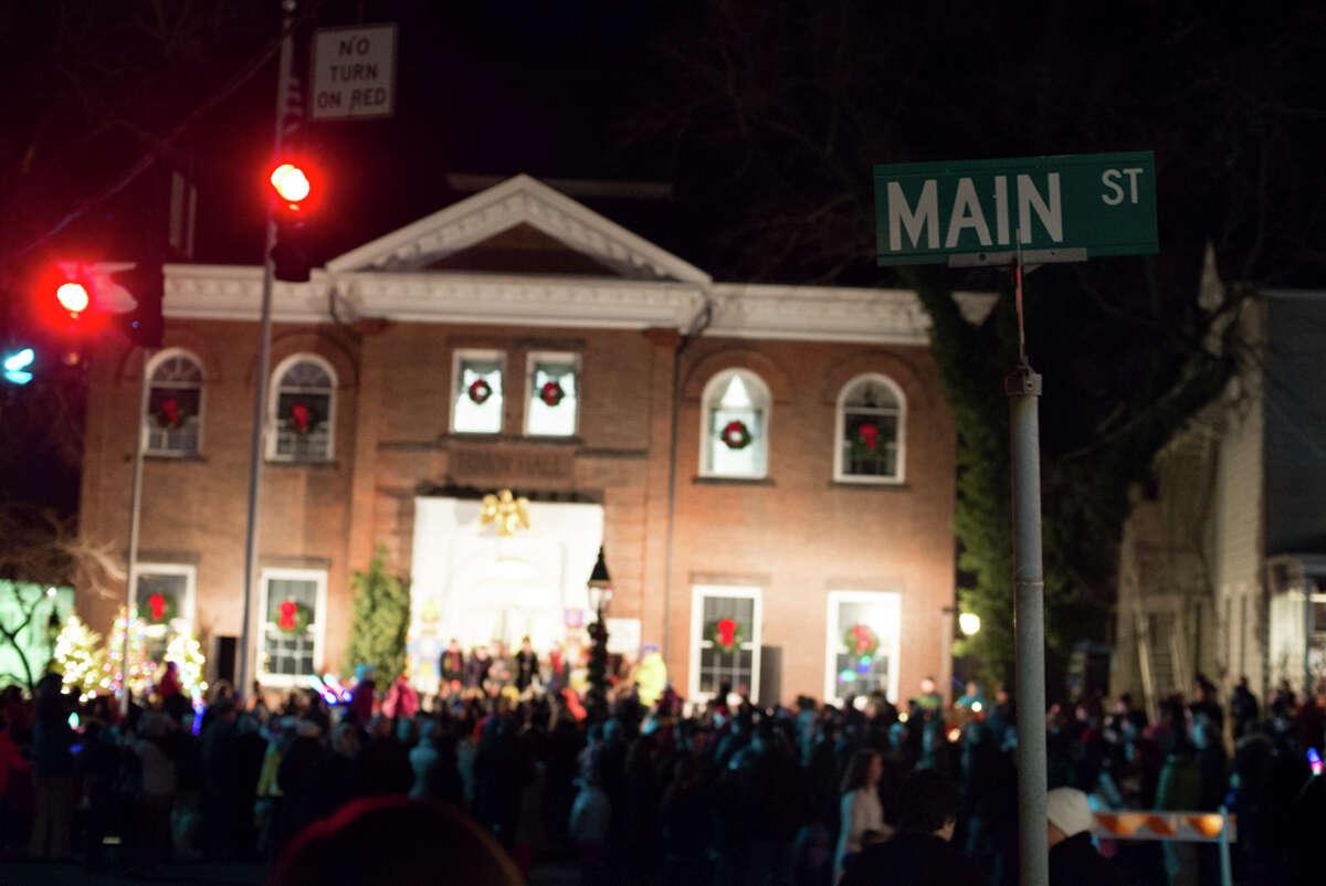 Were you SEEN at the Ridgefield main street tree lighting?