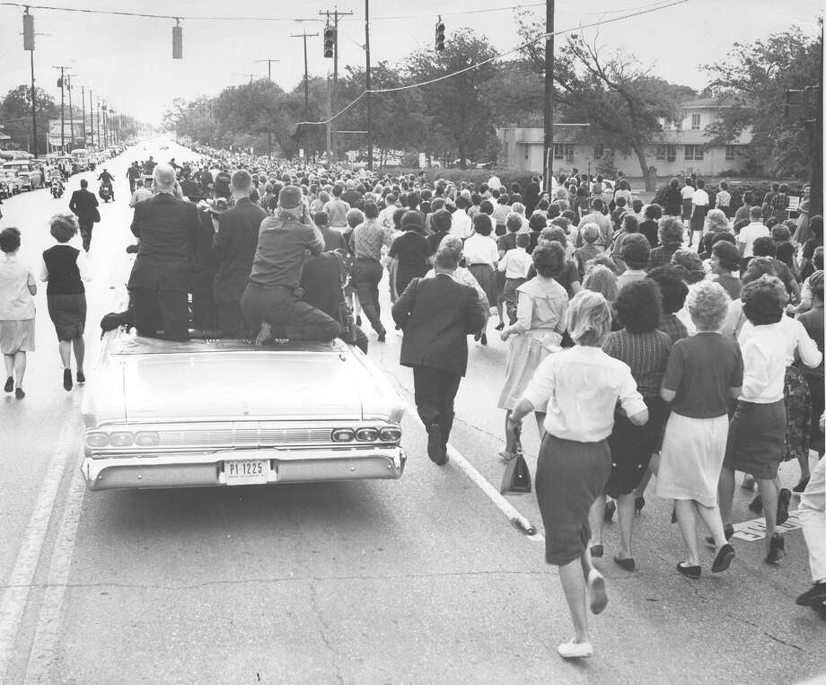 President John F. Kennedy's motorcade cruises through San Antonio on Nov. 21, 1963, the day before he was assassinated in Dallas. Photo: San Antonio Express-News File Photo