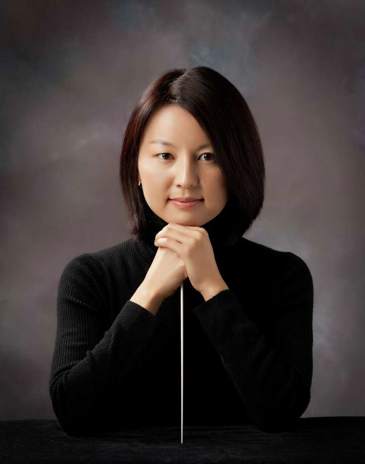 "Akiko Fujimoto led the San Antonio Symphony in its ""A Baroque Holiday"" performance. Photo: Courtesy Photo"