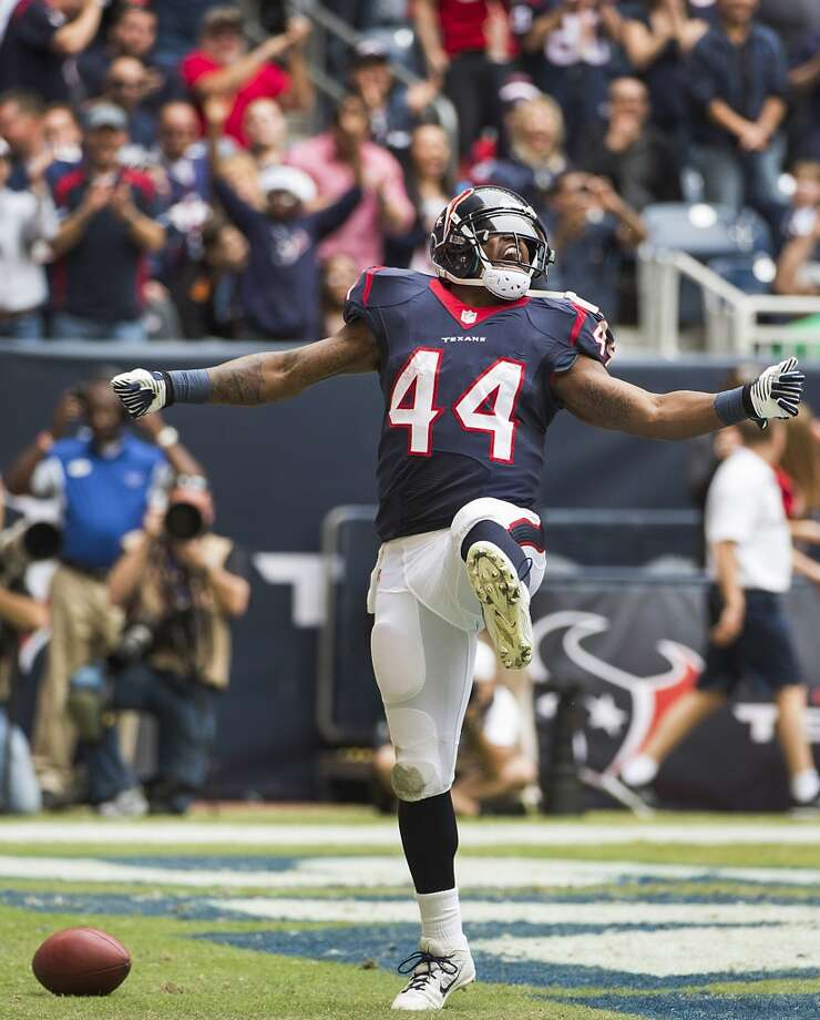 Texans running back Ben Tate (44) celebrates after scoring on an 8-yard touchdown. Photo: Smiley N. Pool, Houston Chronicle