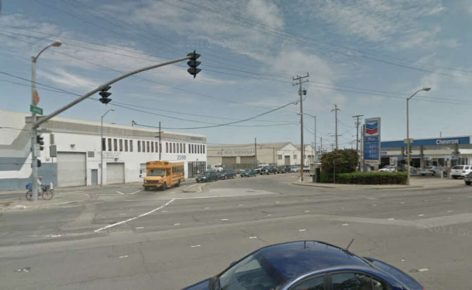 A man was shot multiple times Sunday near Bayshore Boulevard and Jerrold Avenue where he and the supposed buyer had agreed to meet to exchange a Playstation 4. Photo: Google Maps