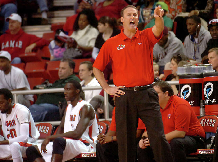 Lamar coach, Pat Knight directs for the side during the game against UT-Arlington at the Montagne Center at Lamar University in Beaumont, Saturday, January 14, 2012. Tammy McKinley/The Enterprise Photo: TAMMY MCKINLEY