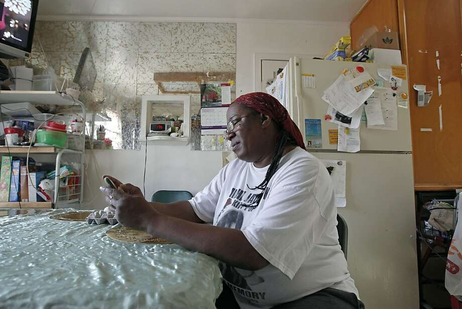 Nealie Yarbrough is among the roughly 1,000 people who have signed up to receive the food stamp alerts. Photo: Michael Macor, The Chronicle