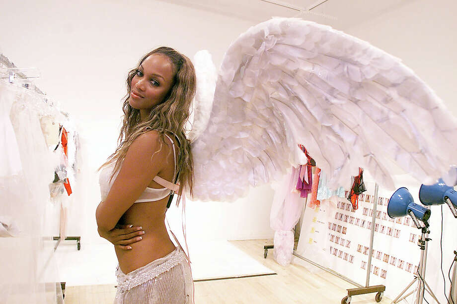 Victoria's Secret model fittings, in preparations for the Victoria's Secret 2001 Fashion Show. Photo: Evan Agostini, Getty Images / Getty Images North America