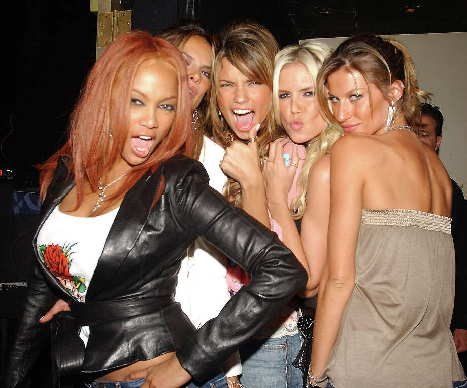 "Tyra Banks, Alessandra, Adriana Lima, Heidi Klum and Gisele Bundchen at the ""Angels Across America"" in Las Vegas - The Palms Hotel and Casino Resort 3rd Year Anniversary in 2004. Photo: Denise Truscello, WireImage / WireImage"