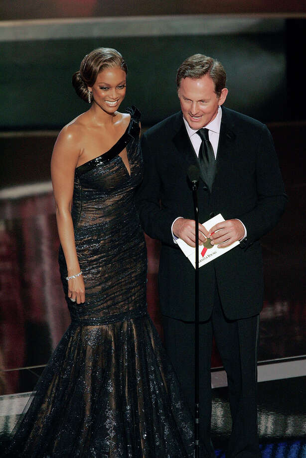 Tyra Banks and Victor Garber on stage presenting award for Outstanding Lead Actress in a Comedy Series during The 58th Annual Primetime Emmy Awards at the Shrine Auditorium in 2006. Photo: NBC, NBC Via Getty Images / 2012 NBCUniversal, Inc.
