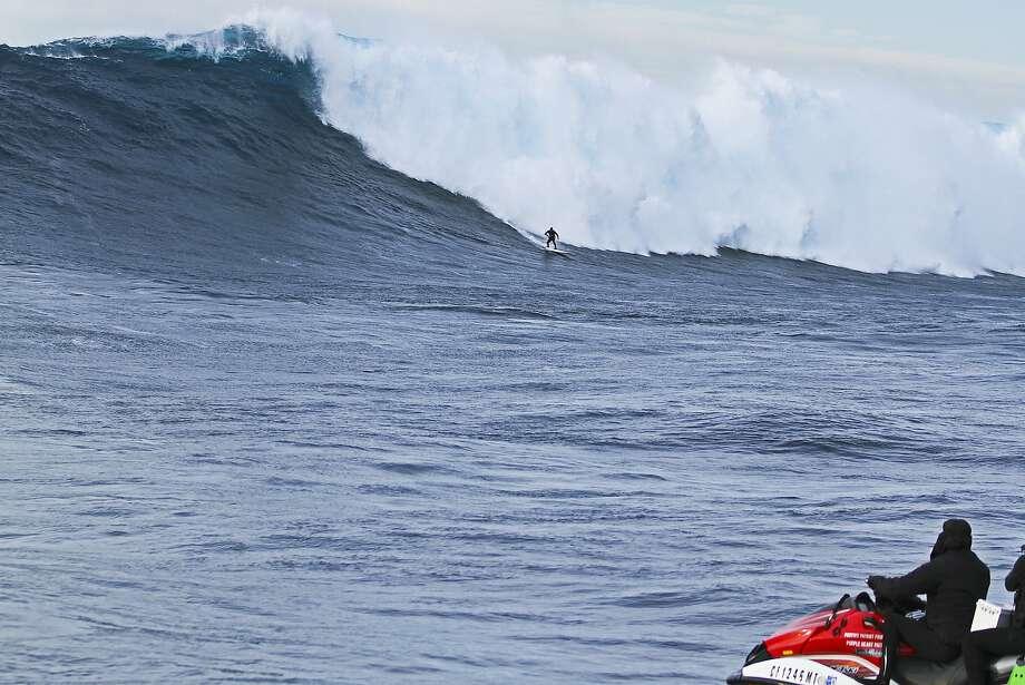 Santa Cruz's Shawn Dollar breaks neck in surf accident