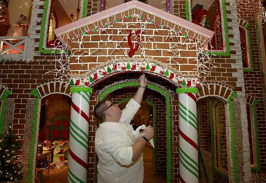 San Francisco Palace Hotel 2020 Christmas Gingerbread Structures The great San Francisco gingerbread war commences   SFGate