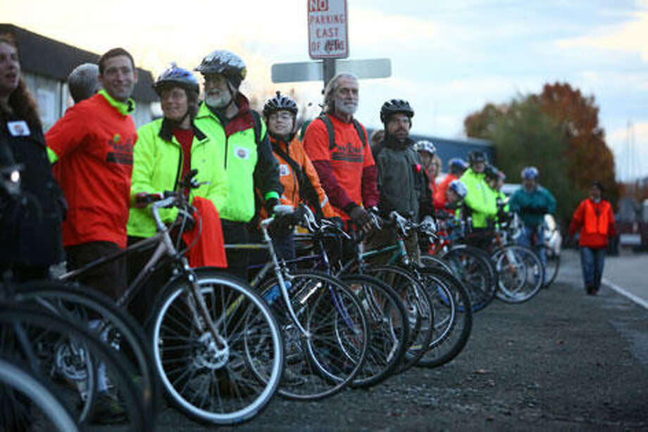 Q: Do bicyclists have to get a license or any kind of training before they ride on Seattle city streets?A: No.Seattle police spokeswoman Renee Witt said there's no age limit for a bike rider on a city street, nor is there a requirement that they get training. To drive a car in Washington, drivers must be at least 16, go through drivers education and be insured.Technically, a 10-year-old could bike on a Seattle arterial with no training. Common sense goes against that, though some drivers and some bicyclists can lack that at times.David Hiller of the Cascade Bicycle Club points out something often articulated by bicyclists: More training and licensing comes with a higher risk potential. A car or truck can cause significantly more damage than a bike.Police spokespeople say bicyclists can be ticketed for other infractions if they're reckless. Photo: Seattlepi.com File