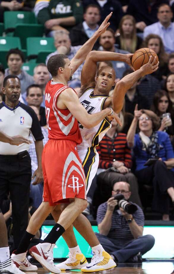 Rockets forward Francisco Garcia defends Richard Jefferson of the Jazz. Photo: Rick Bowmer, Associated Press
