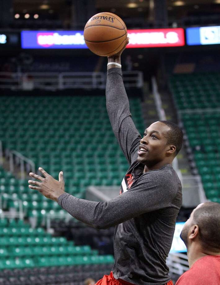 Rockets center Dwight Howard warms up before playing the Jazz. Photo: Rick Bowmer, Associated Press