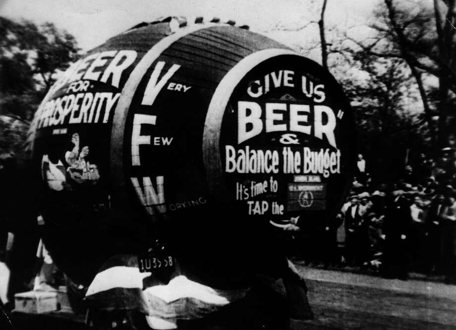 A giant barrel of beer, part of a demonstration against prohibition in America. Photo: Henry Guttmann, Getty Images / Hulton Archive