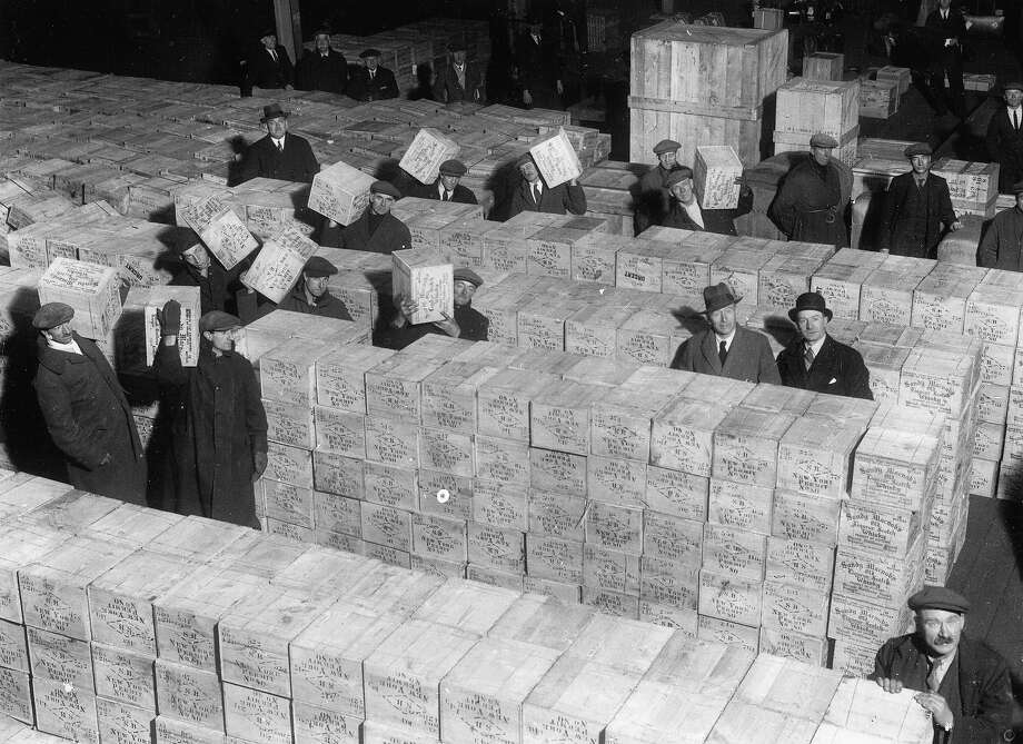 Tons of whiskey at the end of prohibition in 1933. Photo: Imagno, Getty Images / IMAGNO/Austrian Archives (S)