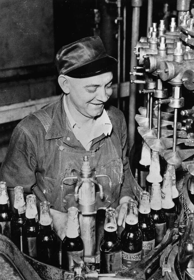 The production of beer after the end of prohibition. USA. Photograph around 1935 Photo: Imagno, Getty Images / IMAGNO/Austrian Archives (S)